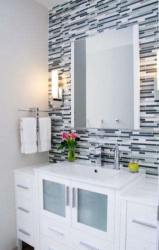 Tile accents in your bathro