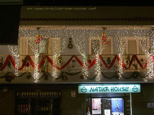 how to decorate balcony for christmas - Google Search | Christmas .