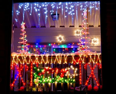 Outdoor Christmas Decorations...For An Apartment | Outdoor .