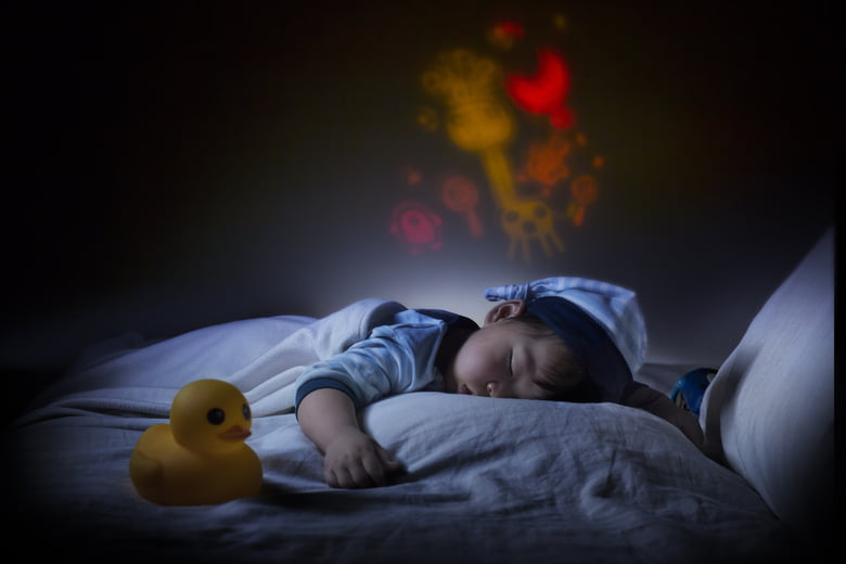 Should you use a baby night light? - Care.c