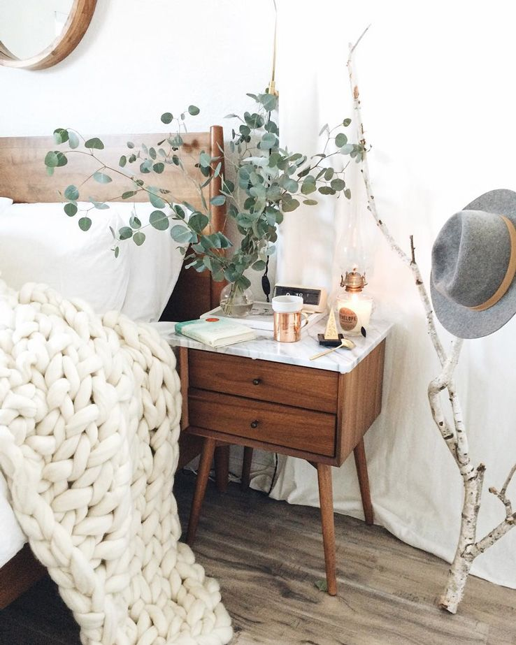 15 Bedside Table #Shelfies to Copy for Yourself   Home bedroom .