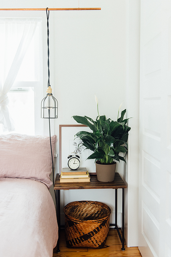 weekend at home: bedside table styling   designlovefest (With .