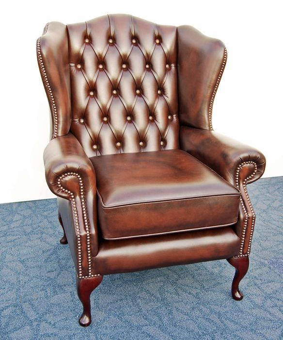 2 x Queen Anne Chesterfield Classic Chairs antique bro
