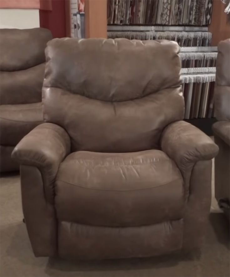 Best Recliners for Seniors & Elderly Review in 2020 - Top for the .
