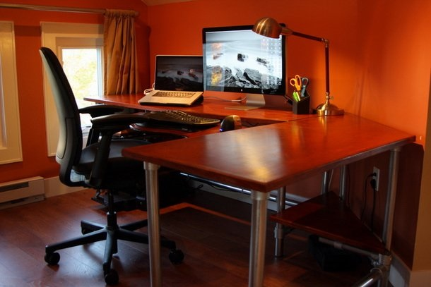 17 DIY Corner Desk Ideas to Build for Small Office Spaces .