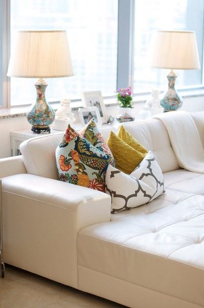 Caitlin Wilson's Home Tour.... | White leather couch, Home living .