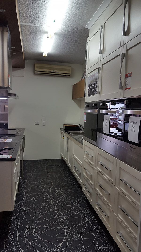 FOR SALE: Profiled Door Kitchen Ex Display!! We're moving from our .