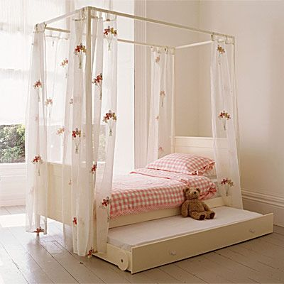 Elegant and simple 4 poster bed girls bed in soft white- great .