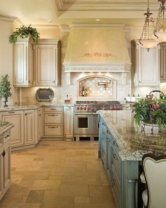 French Country Kitchen... SO INCREDIBLY BEAUTIFUL!! - LOVE THE .