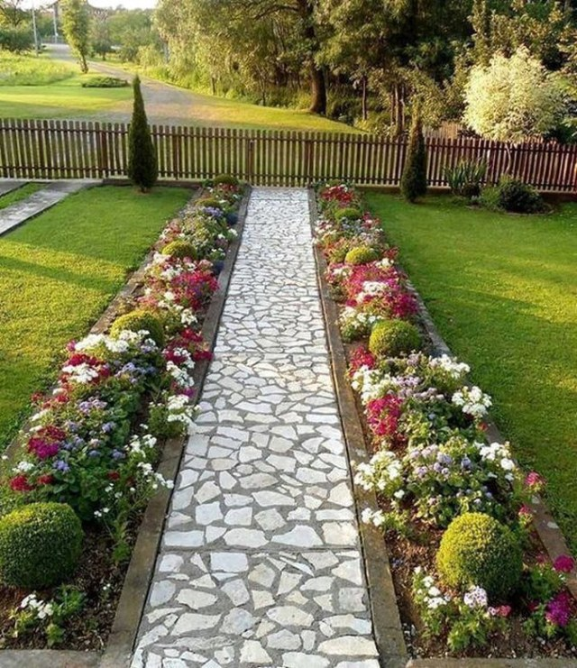 30 Best Front Yard And Backyard Landscaping Ideas on A Budget .