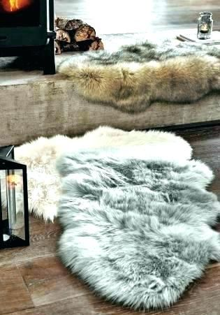 small round area rugs (With images) | Sheepskin rug living room .