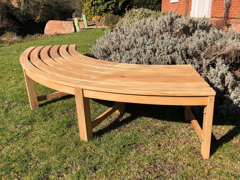 Wooden Garden Benches for Giving from Improvised Materials .