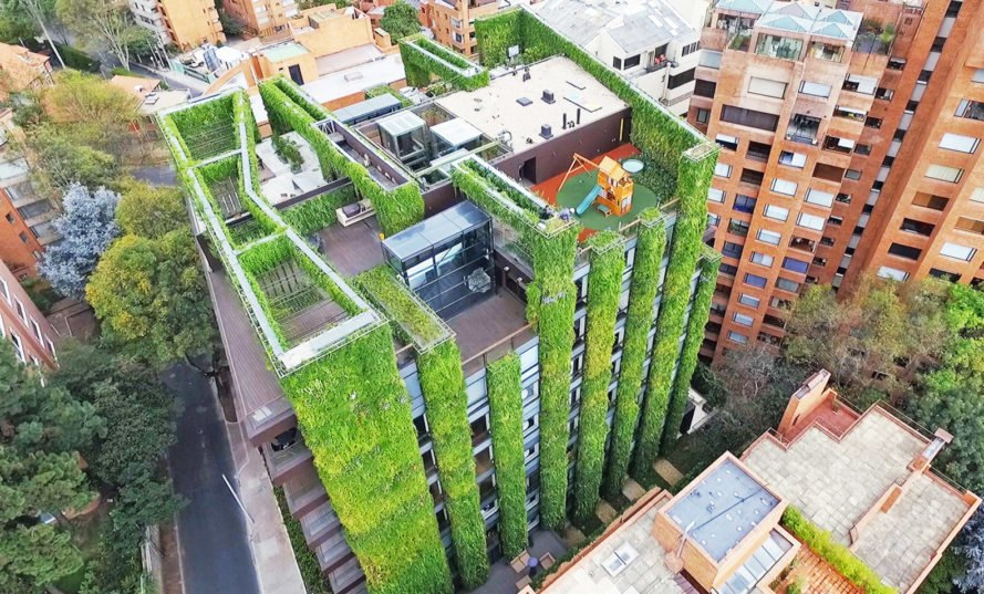 The world's largest vertical garden blooms with 85,000 plants in .