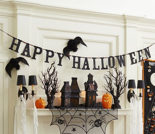 Best Tips for Hanging Halloween Decorations 2018 | Home Decor Bu