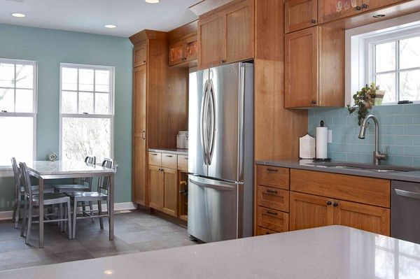 5 Top Wall Colors For Kitchens With Oak Cabinets | Oak kitchen .