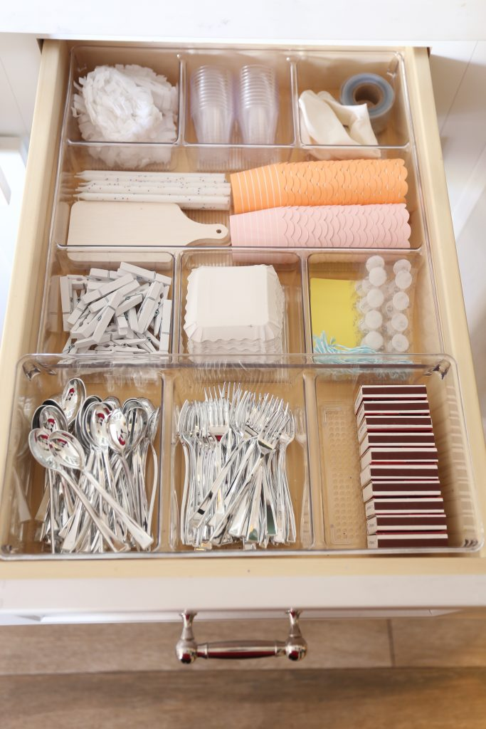 Organize Your Kitchen Drawers with Kitchen Drawer Organization Ide