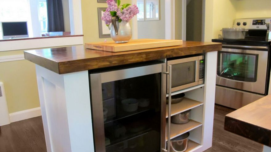 Kitchen Island Ideas For Small Kitchens & Spaces | EarlyExper