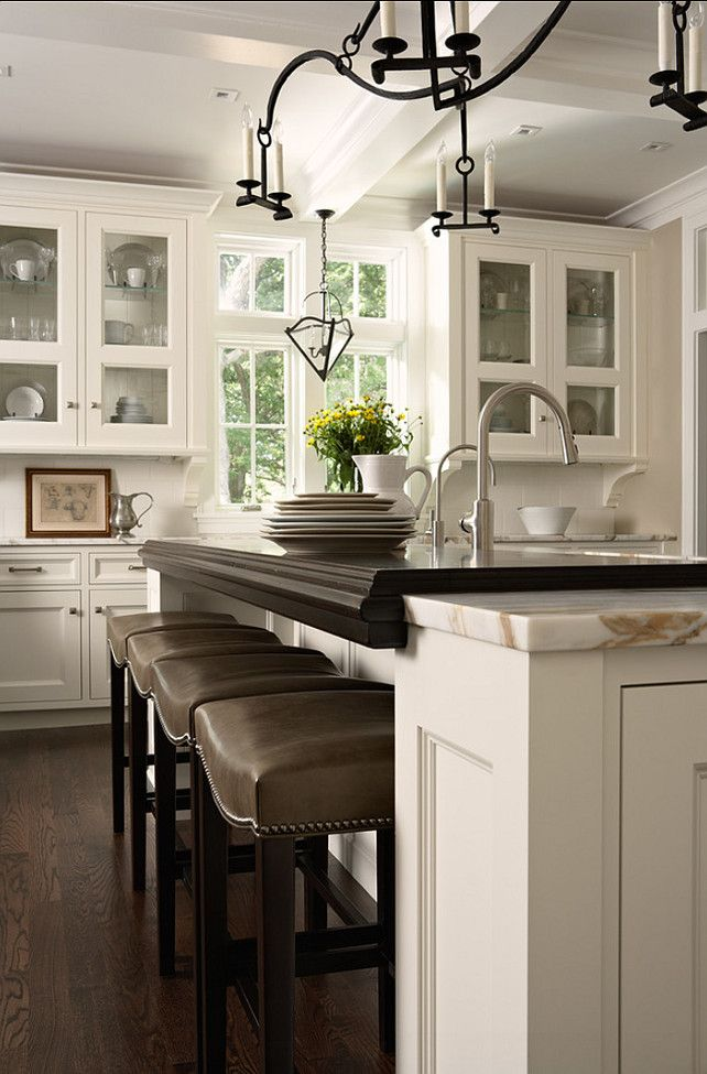 Benjamin Moore paint color: Simply White | Kitchen inspirations .