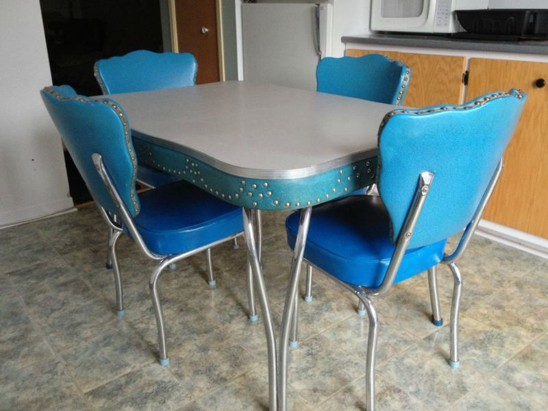 Kitchen Chairs: Vintage Kitchen Table And Chai