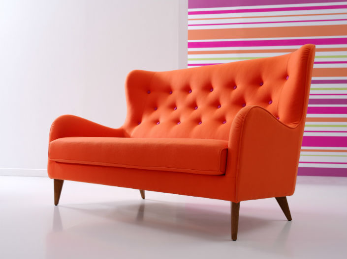 A Modern Tufted 2 Seater So