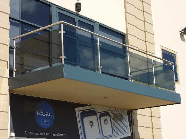 China Modern Balcony Glass Railing Design with Stainless Steel .