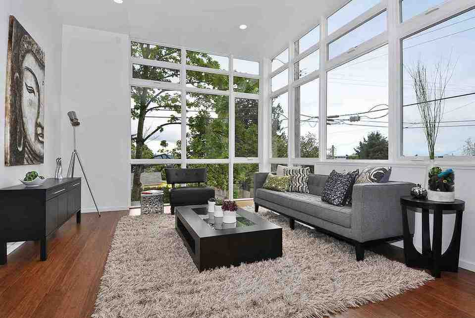 Examples Of Living Rooms With Area Rugs Photos Sitting Family Room .