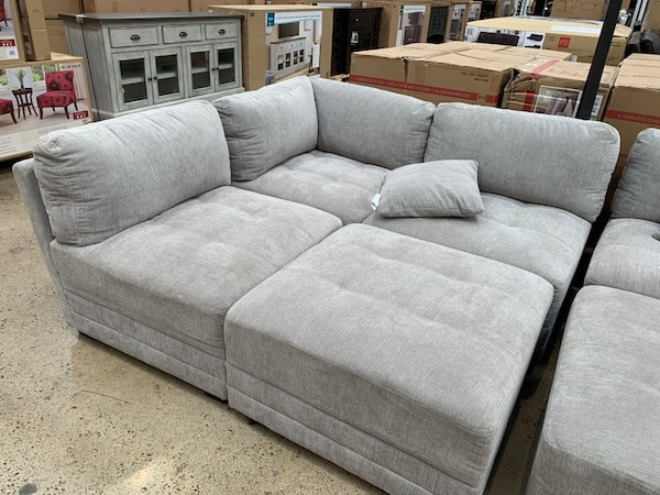 40%OFF // NEW IN BOX // COSTCO Lenora 6-piece Modular Sectional .