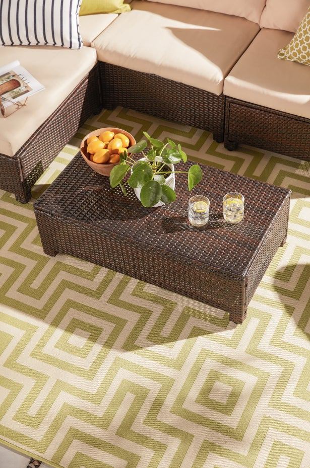 How to Get the Most From Your Outdoor Rugs | Overstock.c