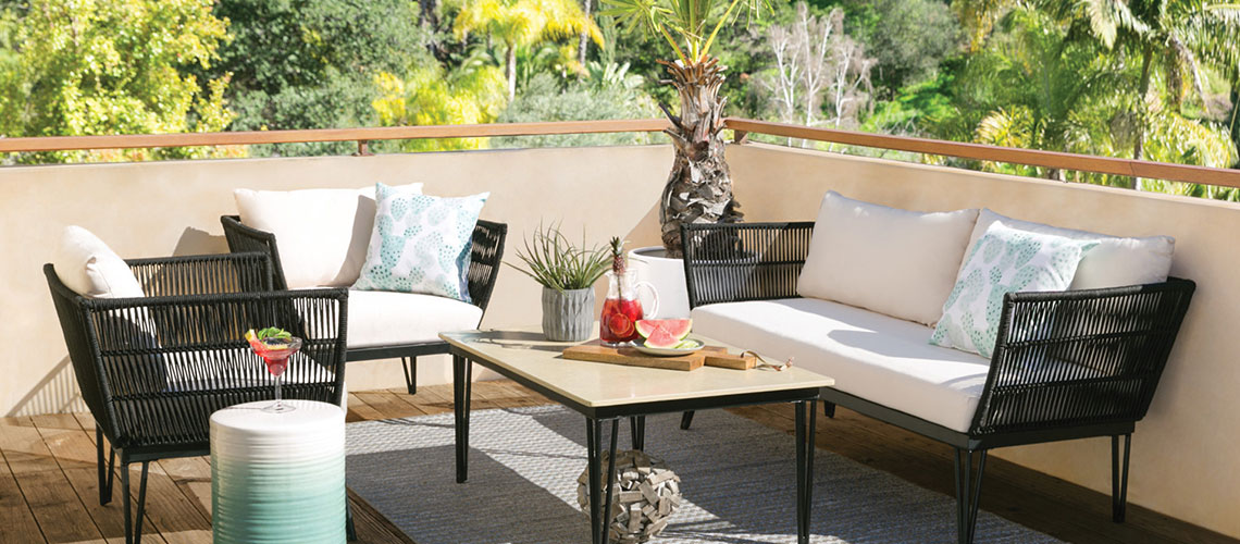 How to Pick the Best Material for an Outdoor Rug | Living Spac
