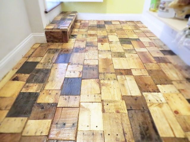 Creating a DIY Pallet Wood Floor With Free Wood : 9 Steps (with .