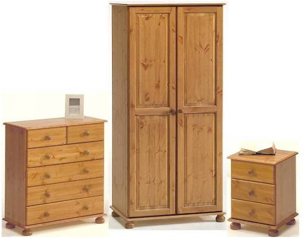 Pine Wardrobes for Adding Natural Texture to Homes | Pine wardrobe .