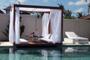 Luxurious Pool Furniture Ideas For Your Ya