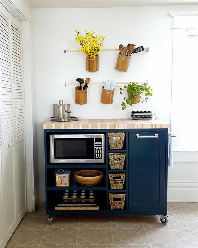 5 Smart Ways to Fit a Kitchen Island in a Small Space | Apartment .