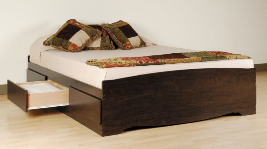 25 Incredible Queen-Sized Beds with Storage Drawers Undernea
