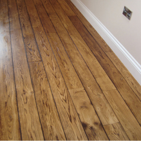 How To Choose The Perfect Flooring Material Wood or Lamina