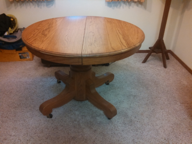 Antique oak pedestal round dining table with 2 leaves - Nex-Tech .