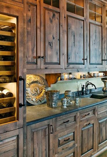 Rustic kitchen cabinets are stunning. - Awesome Appliance Repa