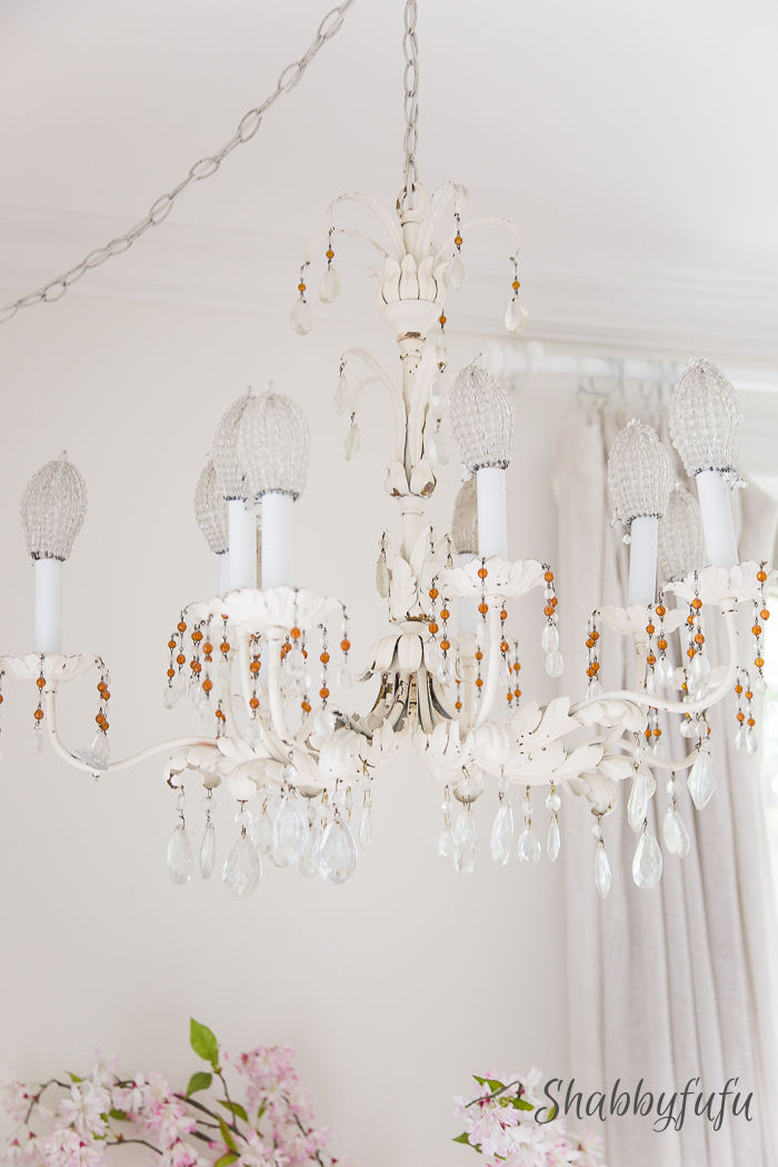 13 Gorgeous Farmhouse Chandeliers for Every Home – Hallstrom Ho