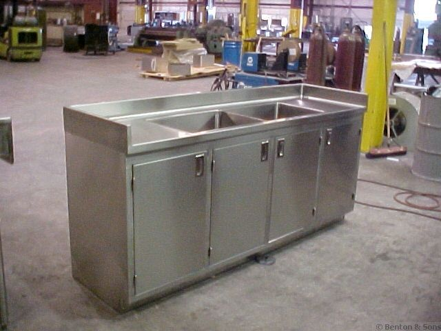 Custom Commercial Kitchen Equipment | Steel kitchen cabinets .