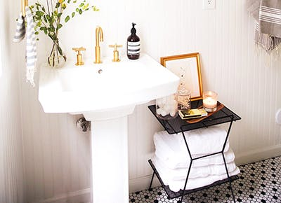 Chic Ideas for Small Bathrooms - PureW