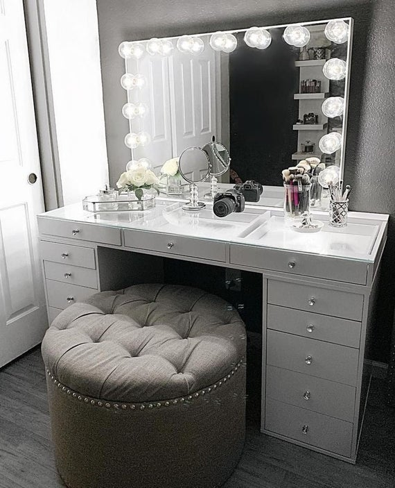 Hollywood Makeup Vanity Mirror with Lights-Impressions Vanity | Et
