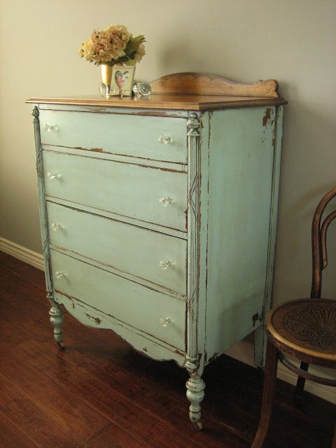 Painted, vintage furniture is so easy to live with- P.S. Vintage .