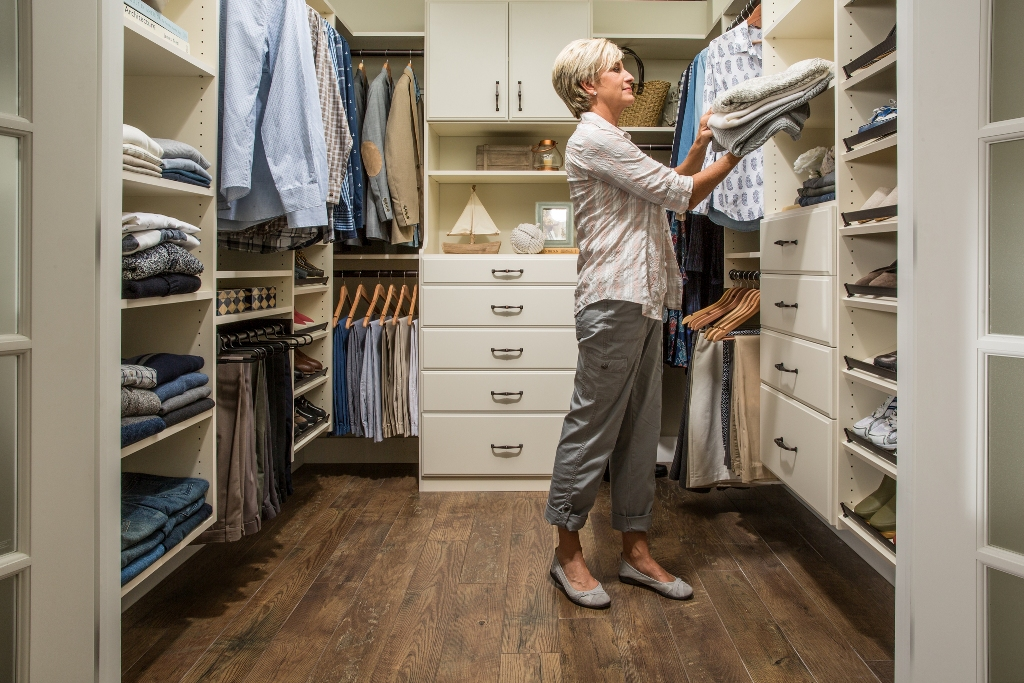 Top 5 Rules to Follow for a Custom Walk-in-Closet Desi