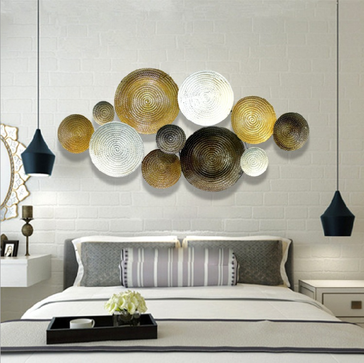 Gold/white Round Art Wall Decor,With Iron Metal Material Painting .